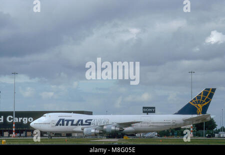AMSTERDAM, NETHERLANDS, , SEPTEMBER 2001. Boeing 747-400 cargo plane, operated by Atlas air, landing landing at - Stock Photo