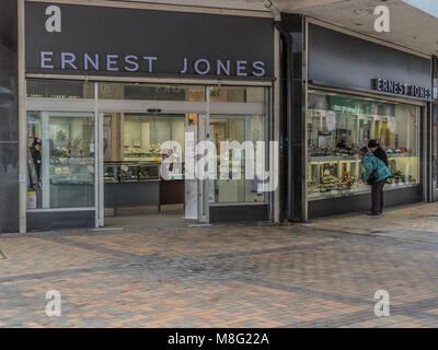 Ernest Jones, Stockport Town Centre Shopping area, Merseyway - Stock Photo