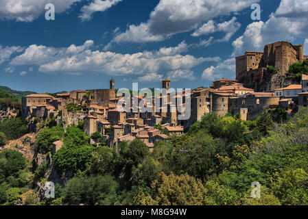 Panoramic view of Sorano, in the Province of Grosseto, Tuscany (Toscana), Italy - Stock Photo