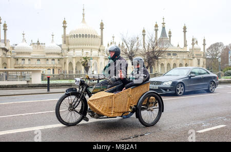 Brighton UK 18th March 2018  - Entrants pass the Royal Pavilion as they near the finish in Brighton of the 79th - Stock Photo
