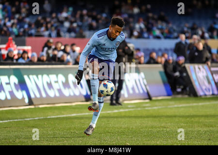 NYCFC vs. Orlando City SC action at Yankee Stadium on 17th March 2018. NYCFC won 2-0. Alexander Callens (6) controls - Stock Photo