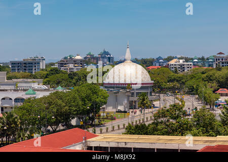 Brunei Darussalam, Bandar Seri Begawan, The dome of the royal regalia museum. - Stock Photo
