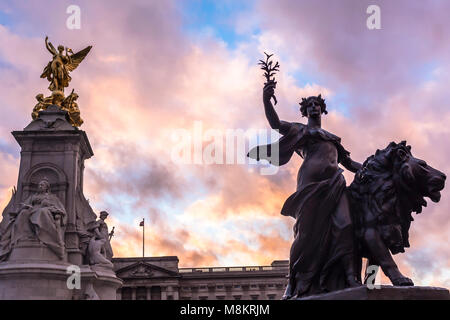 The Queen Victoria Memorial. The Queen Victoria Memorial is located in front of Buckingham Palace. - Stock Photo