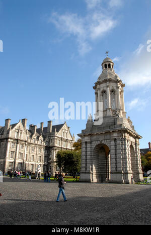 The University of Dublin, Trinity College, founded in 1592, is the oldest university in Ireland. Pix shows the Campanile - Stock Photo