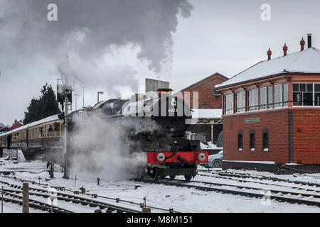 Kiddminster, UK. 18th March, 2018. 'King' class locomotive No. 6023 'King Edward II' departs from Kidderminster - Stock Photo