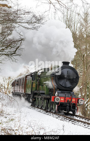 Kidderminster, UK. 18th March, 2018. Severn Valley Railway crew and enthusiasts enjoy picturesque snow views. With - Stock Photo