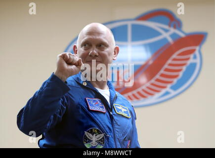 Baikonur, Kazakhstan. 20th Mar, 2018. BAIKONUR, KAZAKHSTAN - MARCH 20, 2018: Roscosmos cosmonaut Oleg Artemyev shows - Stock Photo