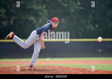 Boca Raton, Florida, USA. 20th Mar, 2018. Oxbridge Academy pitcher Juan Salinas-Bentley (8) delivers a pitch at - Stock Photo