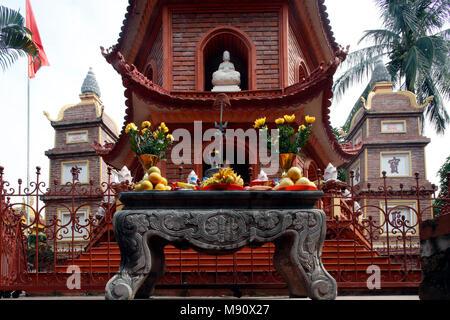 Tran Quoc Pagoda (Chua Tran Quoc), Hanoi. Vietnam. - Stock Photo