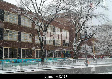 New York, USA. 21st Mar, 2018. The Winter Storm Toby closed PS 33 in the Chelsea neighborhood of New York on Wednesday, March 21, 2018, the second day of Spring. New York City Mayor Bill De Blasio announced on the previous day that schools will be closed due to the storm. (© Richard B. Levine) Credit: Richard Levine/Alamy Live News - Stock Photo