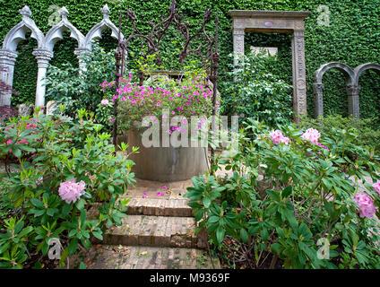 Marvellous garden and park at Villa Ephrussi de Rothschild, tuscan architecture at Cape Ferrat, South France, Var, Cote d'Azur, France, Europe - Stock Photo