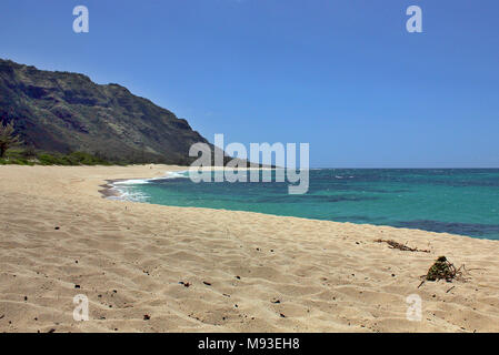 Remote Mokuleia Beach on Oahu, Hawaii, used as a film set for the TV show Lost - Stock Photo