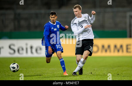 Braunschweig, Deutschland. 22nd Mar, 2018. Lukas Klostermann (Germany) versus Matan Hozez (Israel) GES/ Fussball/ U 21: Germany - Israel, 22.03.2018 -- Football/ Soccer Under 21: Deutschcland vs Israel, Braunschweig, March 22, 2018 -- |usage worldwide Credit: dpa/Alamy Live News - Stock Photo