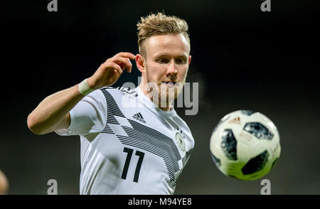 Braunschweig, Deutschland. 22nd Mar, 2018. Cedric Teuchert (Germany) am Ball GES/ Fussball/ U 21: Germany - Israel, 22.03.2018 -- Football/ Soccer Under 21: Deutschcland vs Israel, Braunschweig, March 22, 2018 -- |usage worldwide Credit: dpa/Alamy Live News - Stock Photo