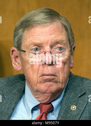United States Senator Johnny Isakson (Republican of Georgia) listens as Robert Lighthizer, US Trade Representative, testifies before the US Senate Committee on Finance on 'The President's 2018 Trade Policy Agenda' on Capitol Hill in Washington, DC on Thursday, March 22, 2018. Credit: Ron Sachs/CNP /MediaPunch - Stock Photo