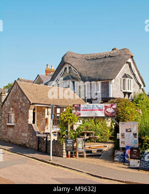 Old Shanklin, Vernon Cottage Pub Restaurant, Thatch Isle of Wight, Hampshire, England, - Stock Photo