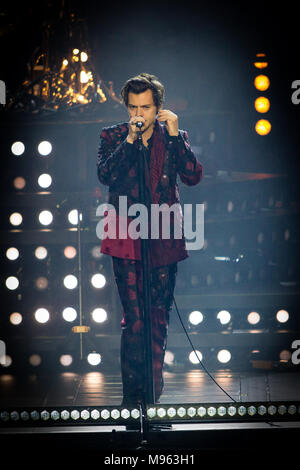 Norway, Oslo - March 21, 2018. The English pop singer Harry Styles performs a live concert at Oslo Spektrum in Oslo. (Photo credit: Gonzales Photo - Tord Litleskare). - Stock Photo