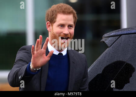 Great Victoria Street, Belfast, Northern Ireland. 23rd Mar, 2018. Prince Harry and Meghan Markle (unseen) leavethe Titanic Visitors Centrein Belfast for a one day visit to Northern Ireland, Friday 23 March 2018. Earlier the  couple met with members of the public who gathered outside Crown Bar in Belfast City Centre. Credit: Irish Eye/Alamy Live News - Stock Photo