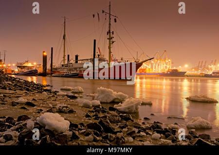 Deutschland, Hamburg, Elbe, Övelgönne, Museumshafen, Feuerschiff - Stock Photo
