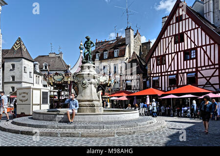 Place Francois Rude is a popular meeting place in central Dijon, Burgundy - Stock Photo