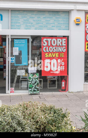 Maplin store in Plymouth, Devon, after it was announced the retailer was shutting all its stores. Metaphor for struggling high street retailers. - Stock Photo