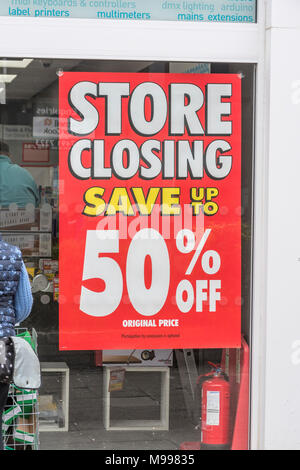 Shop closing down sign at Maplin store in Plymouth, Devon, after announcing closure of all stores. Metaphor struggling high street crisis retailers. - Stock Photo