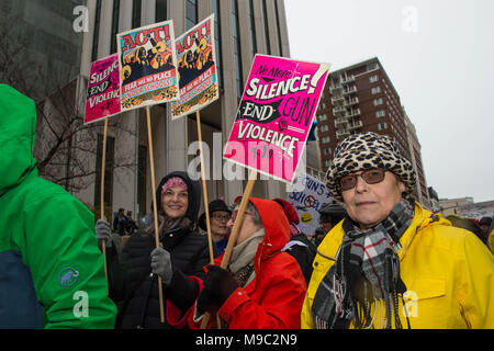 Portland, Oregon, USA, 24.03.18: Portlanders turn out in force for the March for Our Lives protest Credit: Nick Gammon/Alamy Live News - Stock Photo
