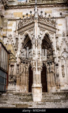 West door of St Peter's Cathedral, Regensburg - Stock Photo