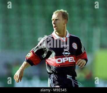 BayArena Leverkusen, Germany, 8.8.1998, German Liga-Cup Final, FC Bayern Munich vs VfB Stuttgart --- Mario BASLER  (Munich) - Stock Photo