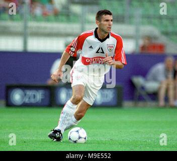 BayArena Leverkusen, Germany, 8.8.1998, German Liga-Cup Final, FC Bayern Munich vs VfB Stuttgart --- Zvonimir SOLDO  (Stuttgart) - Stock Photo