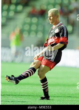 BayArena Leverkusen, Germany, 8.8.1998, German Liga-Cup Final, FC Bayern Munich vs VfB Stuttgart --- Thomas STRUNZ  (Munich) - Stock Photo