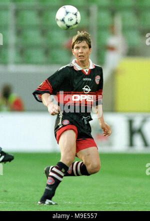 BayArena Leverkusen, Germany, 8.8.1998, German Liga-Cup Final, FC Bayern Munich vs VfB Stuttgart --- Michael TARNAT  (Munich) - Stock Photo
