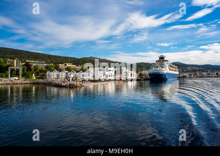 Molde in Romsdal, Norway. Molde has a maritime, temperate climate, with cool-to-warm summers, and relatively mild winters. The city is nicknamed The T - Stock Photo