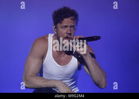 São Paulo, Brazil, 24 March 2018. Imagine Dragons performs during second day of Lollapalooza  Brazil 2018 at Autódromo de Interlagos,  on March 24, 2018 in São Paulo, Brazil. (Photo by Adriana Spaca) - Stock Photo