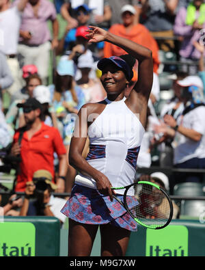 Key Biscayne, Florida, USA. 25th March, 2018. Venus Williams during day 7 of the Miami Open Presented by Itau at Crandon Park Tennis Center on March 25, 2018 in Key Biscayne, Florida.   People:  Venus Williams Credit: Storms Media Group/Alamy Live News - Stock Photo