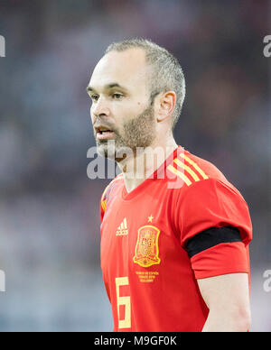 Duesseldorf, Deutschland. 23rd Mar, 2018. Andres INIESTA (ESP) Fussball Laenderspiel, Freundschaftsspiel, Germany (GER) - Spanien (ESP) 1:1, am 23.03.2018 in Duesseldorf/ Germany. |usage worldwide Credit: dpa/Alamy Live News - Stock Photo