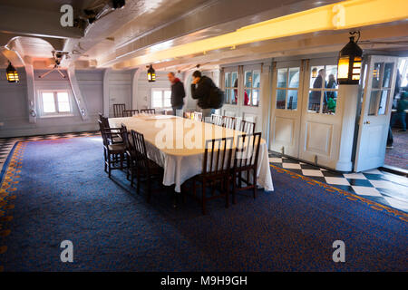 'Nelson's Dining Cabin' at the stern of Admiral Lord Nelson 's flagship HMS Victory. Portsmouth Historic Dockyard / Dockyards UK (95) - Stock Photo
