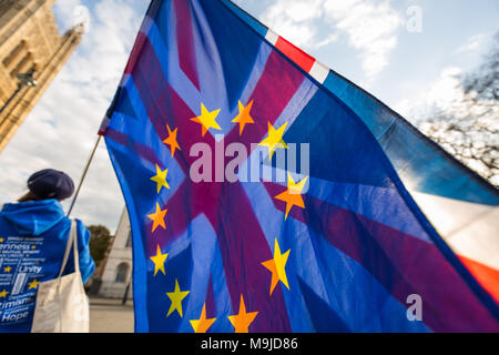 London, UK. 26th March, 2018. Pro-remain and EU supporters continue their weekly campaign vigils opposite the Houses of Parliament waving numerous British and European flags. Credit: Guy Corbishley/Alamy Live News - Stock Photo
