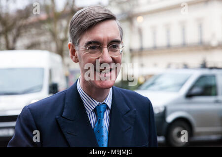 London, UK. 27th March, 2018. Jacob-Rees Mogg MP arrives to speak at a Leave Means Leave event in Westminster. Credit: Mark Kerrison/Alamy Live News - Stock Photo