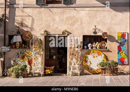 CASTIGLIONE DEL LAGO/ITALY, Novembre 1, 2016: Shop in Castiglione del Lago, Trasimeno Lake, Umbria - Italy. - Stock Photo
