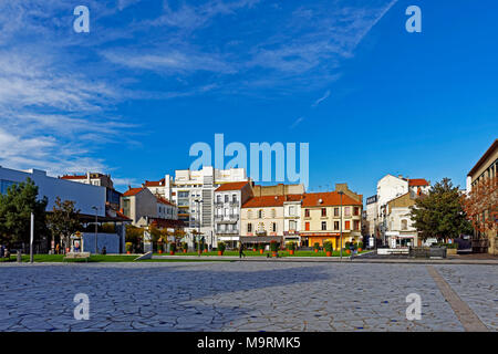 Europe, France, Auvergne, Vichy, Place Charles de Gaulle, Place Charles de Gaulle, architecture, trees, buildings, people, people, plants, place of in - Stock Photo