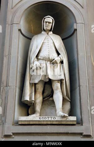 Statue,Giotto di Bonde,Galerie Uficci,Piazza della Signoria,Tuscany,Florenz,Tuscany,Italien, - Stock Photo