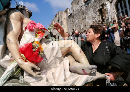 Nocera Terinese (Italy) - A godly woman during the Processione dell'Addolorata in the Easter Holy Saturday - Stock Photo