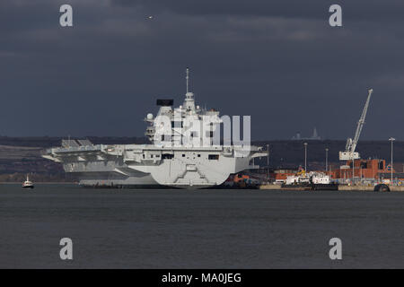 HMS Elizabeth aircraft carrier in Portsmouth - Stock Photo