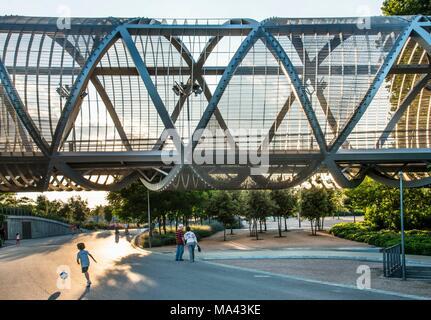 The Pasarela de la Arganzuela bridge at the Parque Madrid Rio in Madrid, Spain - Stock Photo