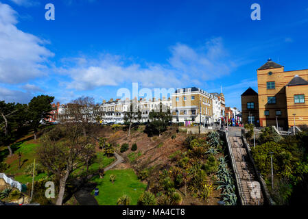 Royal Terrace, Southend on Sea, Essex. Built between 1791 and 1793. Houses in the terrace were used in WWII by the Navy. Cliff Gardens - Stock Photo