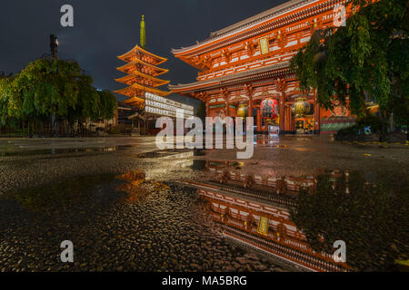 Asia, Japan, Nihon, Nippon, Tokyo, Taito, Asakusa, Sens?-ji temple complex with pagoda - Stock Photo