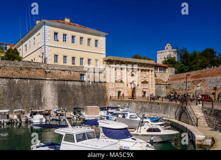 Croatia, Dalmatia, Zadar, fishing port Fosa, city wall and Kopnena vrata / Landward Gate with Lion of Saint Mark - Stock Photo