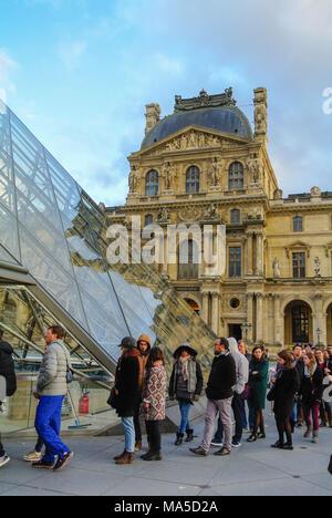 tourists queuing, louvre museum, paris, france - Stock Photo