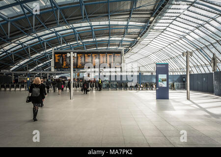 The new refurbished concourse and platforms at the former Waterloo Eurostar terminal at London Waterloo station - Stock Photo